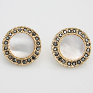 Round shape button vintage earring-강혜나귀걸이